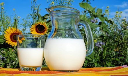 Melk drinken op de huwelijksnacht